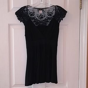 5-7-9 Black Lacey Top